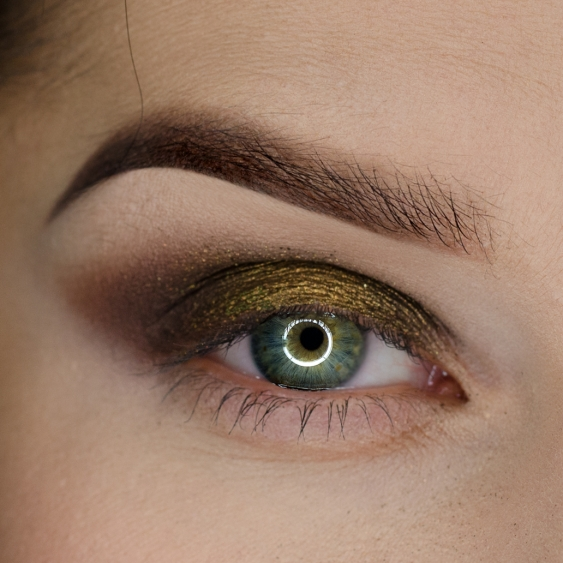 PURE GOLD EYES MAKEUP