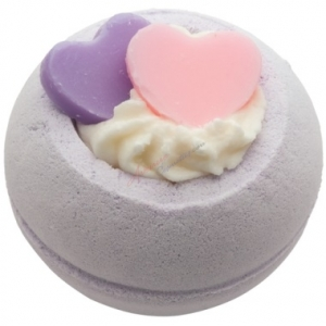 BOMB COSMETICS BATH BLASTER TWO HEARTS MUSUJĄCA KULA DO KĄPIELI
